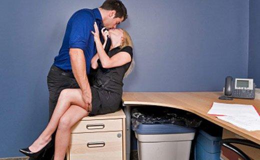 Секс с коллегой
